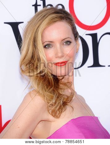 LOS ANGELES - APR 21:  Leslie Mann arrives to the The Bridge