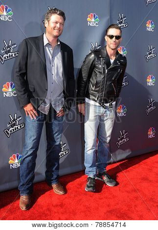 LOS ANGELES - APR 03:  Blake Shelton & Adam Levine arrives to the 'The Voice Celebrtaes Season 5  on April 03, 2014 in Hollywood, CA