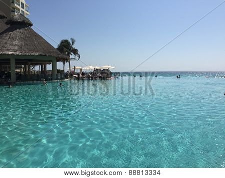 Cancun Infinity Pool