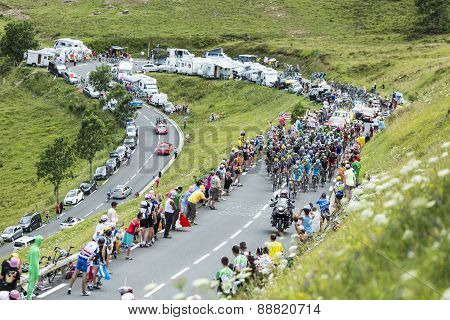 The Peloton Approaching On Col De Peyresourde - Tour De France 2014