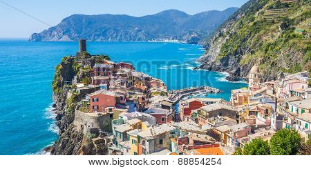 Vernazza Fisherman Village In Cinque Terre, Italy