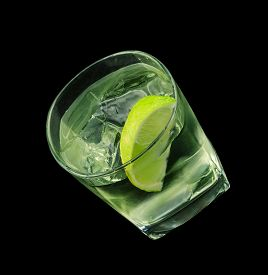 picture of vodka  - Vodka lime is a cocktail that contains vodka - JPG