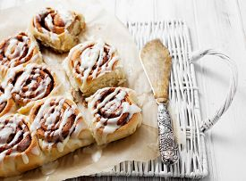 image of icing  - Cinnamon rolls with cream cheese icing - JPG