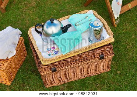 Wicker Basket Set For Afternoon Tea