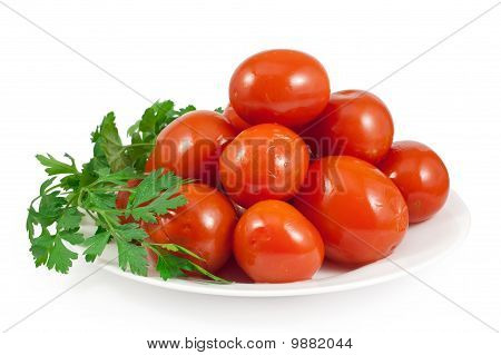 Pickled Red Tomatoes With Green Parsley