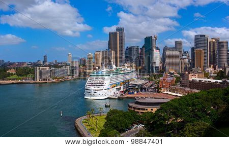 Giant luxury cruise ship was docked in the Sydney central business district