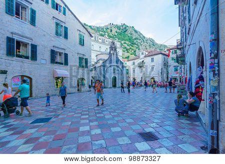 Saint Luke Square, Kotor