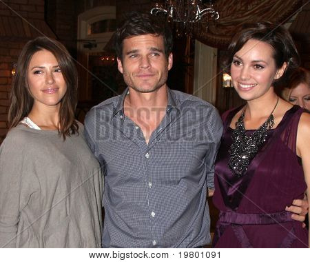 LOS ANGELES - MAR 24:  Elizabeth Hendrickson, Greg Rikaart, Emily O'Brien at the Young & Restless 38th Anniversary On Set Press Party at CBS Television City on March 24, 2011 in Los Angeles, CA