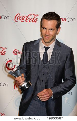 LAS VEGAS - MAR 31:  Ryan Reynolds in the CinemaCon Convention Awards Gala Press Room at Caesar's Palace on March 31, 2011 in Las Vegas, NV.