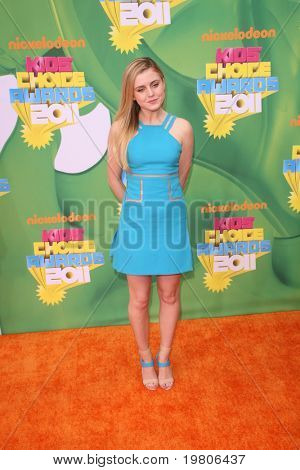 LOS ANGELES - APR 2:  Lorraine Nicholson arrives at the 2011 Kids Choice Awards at Galen Center, USC on April 2, 2011 in Los Angeles, CA