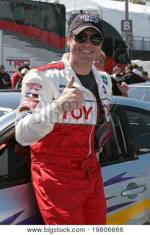 LOS ANGELES - APR 5: Daniel Goddard bei der Toyota Pro/Celeb Presse Renntag 2011 am Long Beach Grand