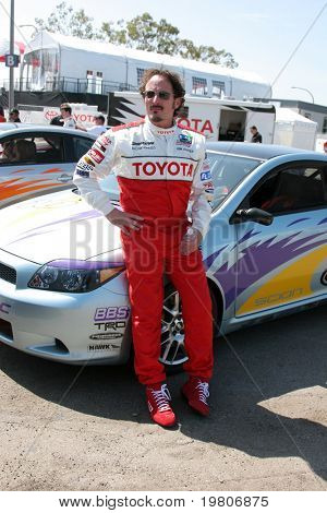 Los Angeles Apr 5: Kim Coates beim Rennen Pro/célèb Toyota drücken Sie Tag 2011 in Long Beach grand Pri