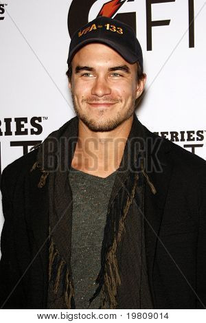 LOS ANGELES - APR 12:  Rob Mayes arriving at the