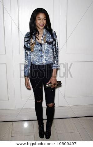 "LOS ANGELES - APR 13:  Kali Hawk arriving at the Kimberly Snyder Book Party For ""The Beauty Detox Solution"" at London Hotel on April 13, 2011 in West Hollywood, CA"