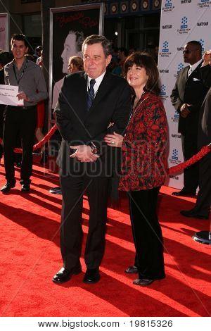LOS ANGELES - 27 de abr: Jerry Mathers chegando ao TCM Classic Film Festival & World Premiere de