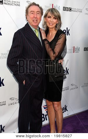 LOS ANGELES - APR 26: Eric Idle & Frau Ankunft auf dem 5th Annual BritWeek Launch Party am British