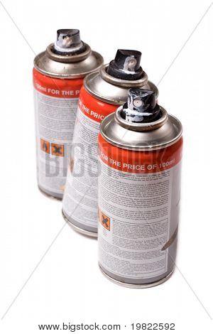 Aerossol spraypaint latas isolado em um fundo branco.