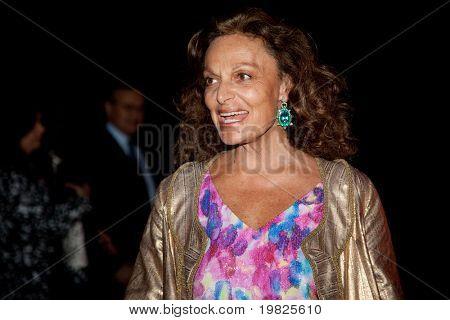 NUEVA YORK - 21 de abril: Diseñadora Diane von Furstenberg asiste a la fiesta de Vanity Fair de la tribu de 2009
