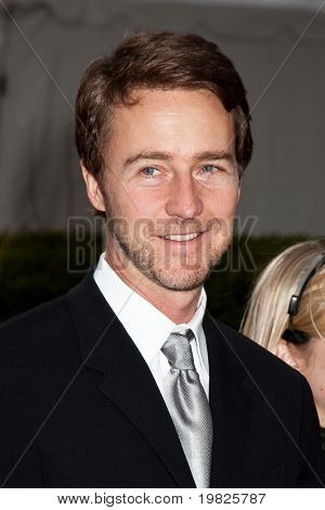 NEW YORK - SEPTEMBER 21: Edward Norton attends the Metropolitan Opera 2009-10 season opening night at Lincoln Center  on September 21, 2009 in New York City.