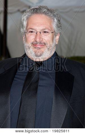 NEW YORK - SEPTEMBER 21: Actor Harvey Fierstein attends the Metropolitan Opera season opening with a performance of 'Tosca' at the Lincoln Center on September 21, 2009 in New York City.