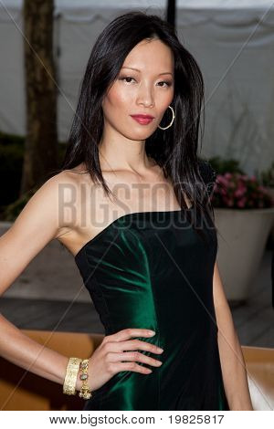 NEW YORK - SEPTEMBER 21: Ling attends the Metropolitan Opera 2009-10 season opening with a performance of 'Tosca' at Lincoln Center for the Performing Arts on September 21, 2009 in New York City.
