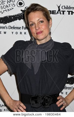 NEW YORK - December 6:  Ali Wentworth attends  the 20th Anniversary Celebration Of The Children's Defense  at Guastavino`s  on December 6, 2010 in New York.
