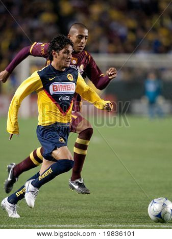 CARSON, CA. - JANUARY 9: Angel Eduardo Reyna in action during the InterLiga 2010 match of Club America and Estudiantes Tecos  at the Home Depot Center January 9, 2010 in Carson, CA.