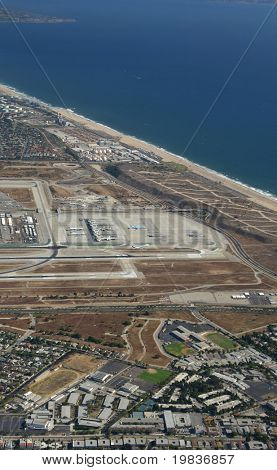 LOS ÁNGELES. -30 De junio: Los Angeles Internacional Aeropuerto es el aeropuerto más ocupado en L.A. & ocupa