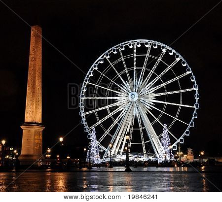 Ferris wheel on the Concorde square