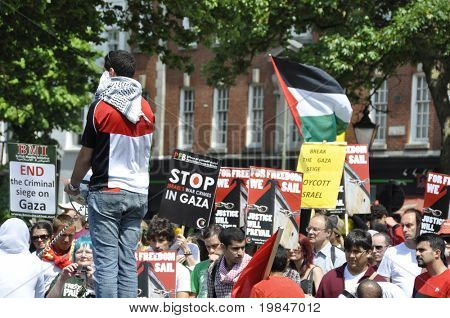 BRIGHTON, UK-JUNE 6: Pro-Palestinian and Gaza strip demonstration, June 6, 2010 in Brighton, United Kingdom