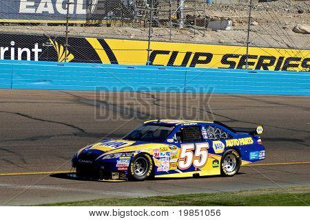 AVONDALE, AZ - NOV 7 - Michael Waltrip (55) competes in the NASCAR Sprint Cup Series at the Phoenix International Raceway on November 7, 2008 in Avondale, Arizona.