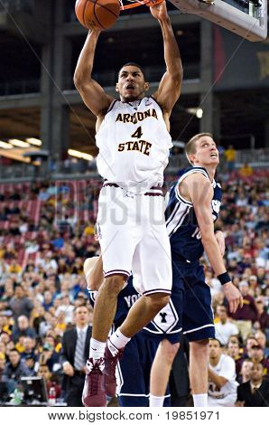 GLENDALE, AZ - DECEMBER 20: Arizona State University forward Jeff Pendergraph #4 dunks the ball during a basketball game against Brigham Young University on December 20, 2008 in Glendale, Arizona.