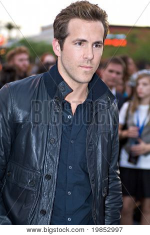TEMPE, AZ - APRIL 27: Actor Ryan Reynolds appears at the premiere of X-Men Origins: Wolverine on April 27, 2009 in Tempe, AZ.