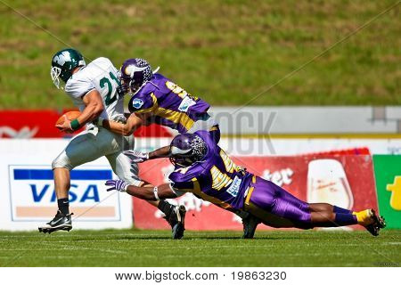 VIENNA - JUNE 1: RB Bo Lanter (#21, Titans) and his team win 14:64 against the Vienna Vikings at Charity Bowl XI on June 1, 2009 in Vienna, Austria.
