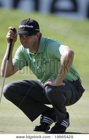 South African Retief Goosen lines up a putt at the PGA European Tour BMW Open Golf Munich Germany 19 - 22 June 2008 at the Golf Club Munchen Eichenried