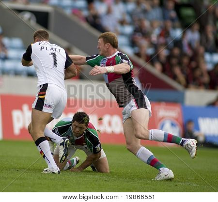 TWICKENHAM UK AUGUST 03, Michael Platt evades a tackle while  Playing in the Engage Super League Rugby league match Between Harlequins RL and Bradford Bulls at The Stoop, Twickenham London 03/08/2008