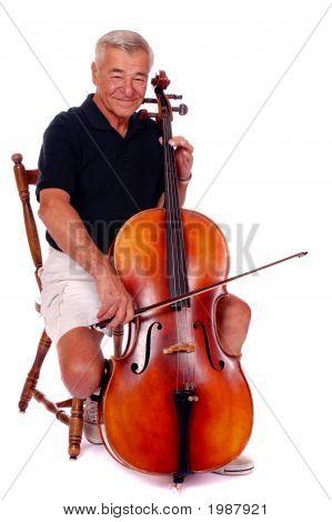 Jogador sénior de violoncelo