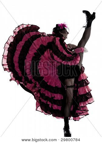 bailarina mujer bailando french cancan en estudio aislado sobre fondo blanco