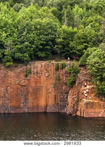 Crazy Cliff Jumpers