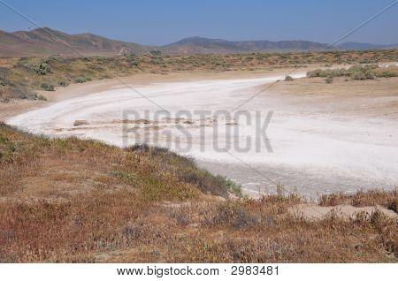 Alkaline Deposits, Soda Lake