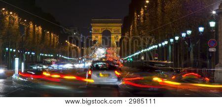 Arco del triunfo y los Campos Elíseos, París, Francia