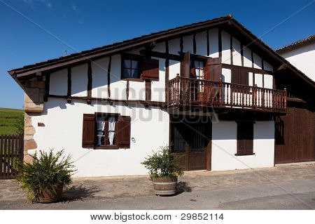 Farmhouse In Ainhoa