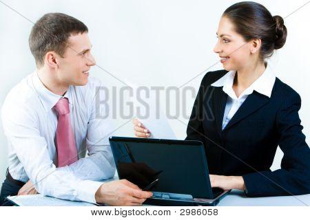 Discussão de negócios