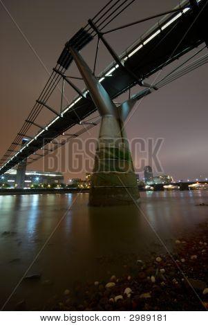 Millenium Bridge Wide 7