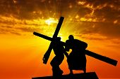 pic of inri  - Dragging a wooden cross - JPG