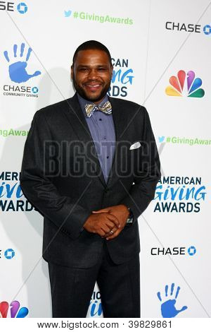 LOS ANGELES - DEC 7:  Anthony Anderson arrives to the 2012 American Giving Awards at Pasadena Civic Center on December 7, 2012 in Pasadena, CA