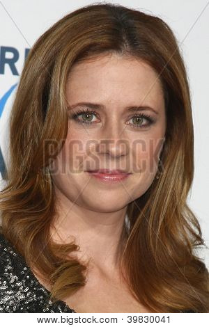 LOS ANGELES - DEC 7:  Jenna Fischer arrives to the 2012 American Giving Awards at Pasadena Civic Center on December 7, 2012 in Pasadena, CA