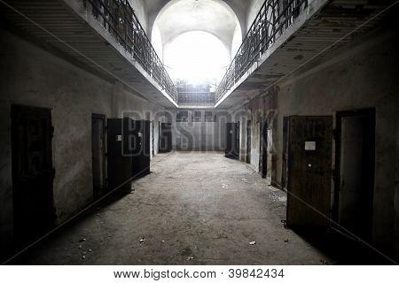 Prisión abandonada