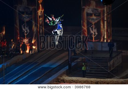 "Indoor Moto Freestyle Competition ""Fmx Masters"""