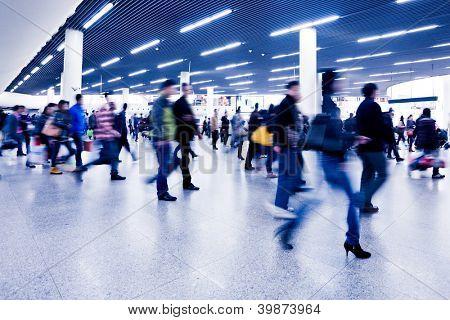 Passagier in der u-Bahnstation in Shanghai